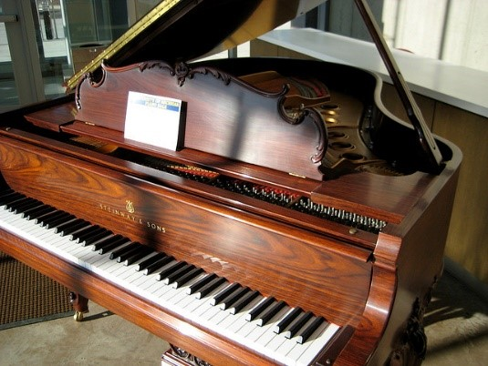 Grand piano Italian inventions Abruzzo villas holidays with Essential Italy