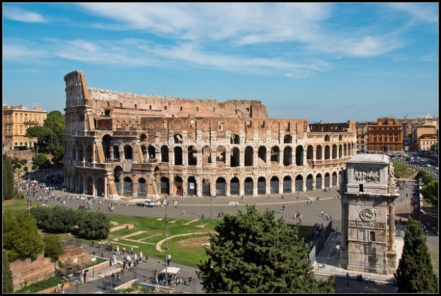 Colosseum Rome history 10 reasons to visit with Essential Italy
