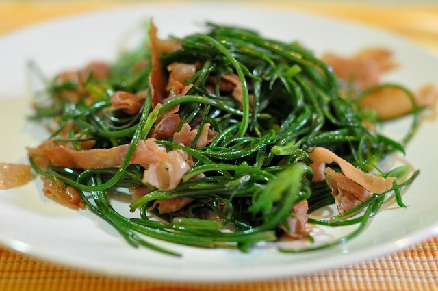 Try agretti at the best places to stay in Puglia, Umbria, Abruzzo, Tuscany with Essential Italy