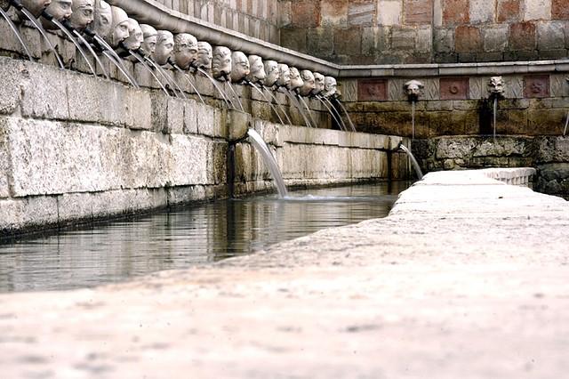 Fontana delle 99 Cannelle, L'Aquila, near our villas in Abruzzo Essential Italy