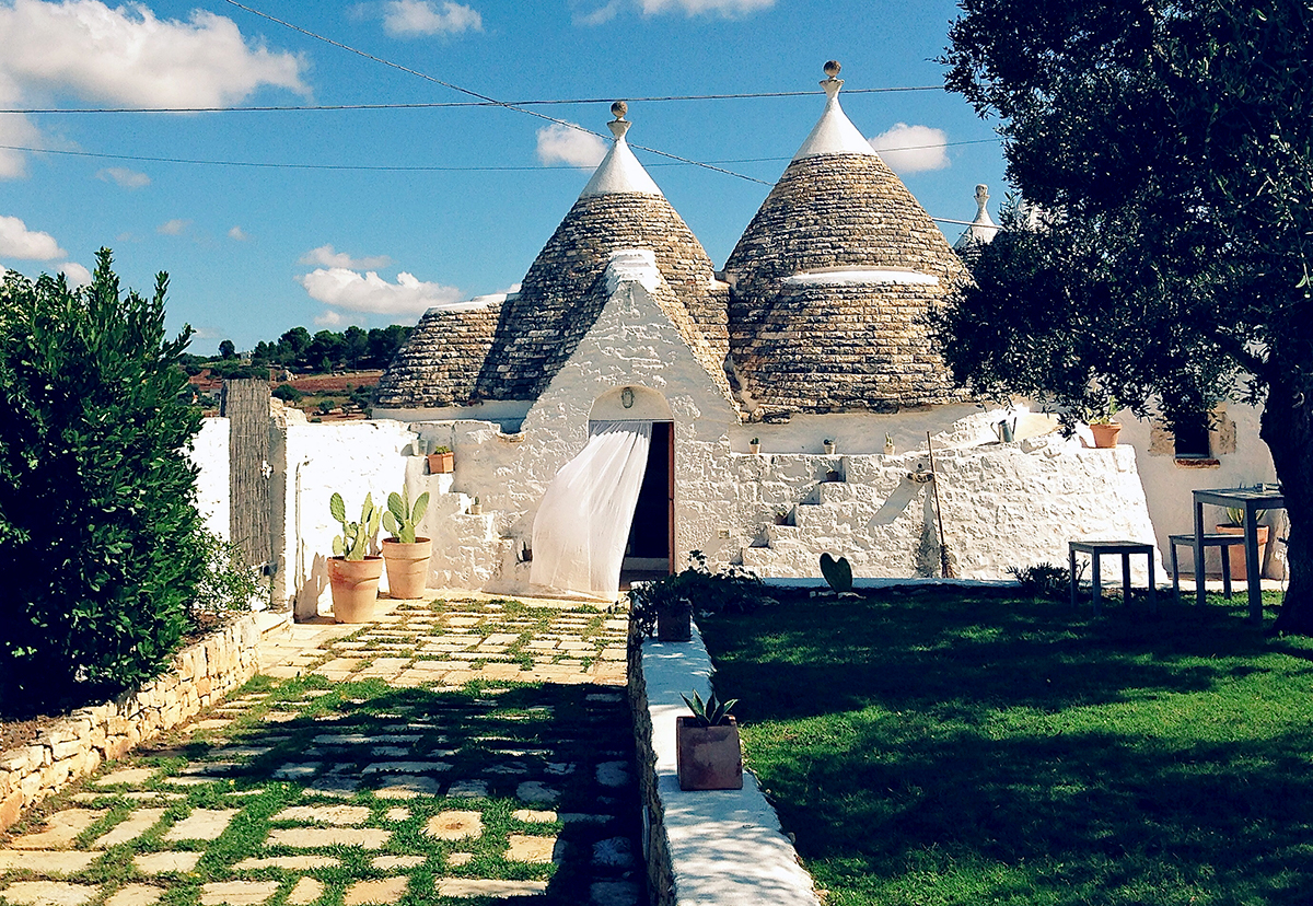 Trullo Pietra property for holiday in Puglia with Essential Italy
