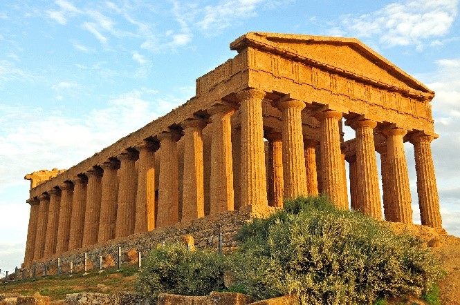 Temple of Concordia Agrigento visit while staying at Essential Italy's holiday apartments in Sicily