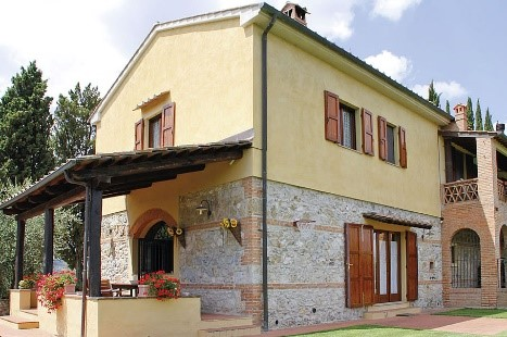 Casa Il Melograno farmhouse property Tuscany special discount Essential Italy