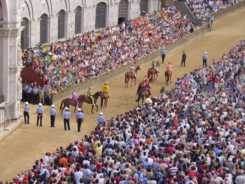 Tuscany Stunning Scenery Il Palio | Siena Lucca Florence San Gimignano | Essential Italy Hotels & Holidays in Italy