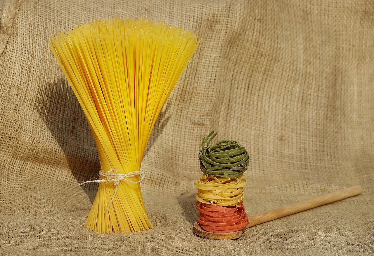 dried spaggetti and tagliatelle