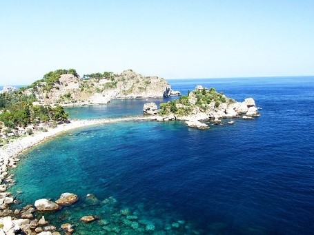 Isola Bella near Taormina and our Sicily villas with a pool