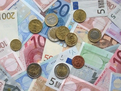 Euros now cheaper than ever to spend on Italian holidays