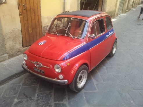 The Fiat 500s (Cinquecento) near our luxury villas in Puglia