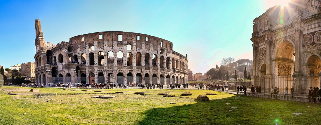 Visit the Colosseum and other attractions – stay at our holiday villas in Umbria