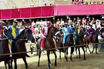 Tuscany's Palio di Siena taking place near our villas to rent
