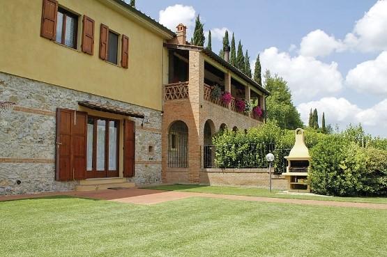 Casa Il Melograno – one of Essential Italy's featured Tuscan villas near San Gimignano