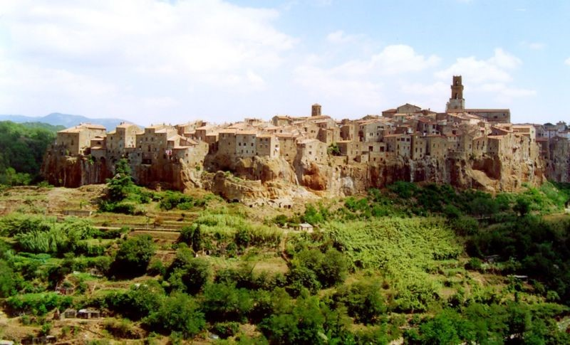 Pitigliano - a Tuscany town to visit on your Italian villa holidays with Essential Italy