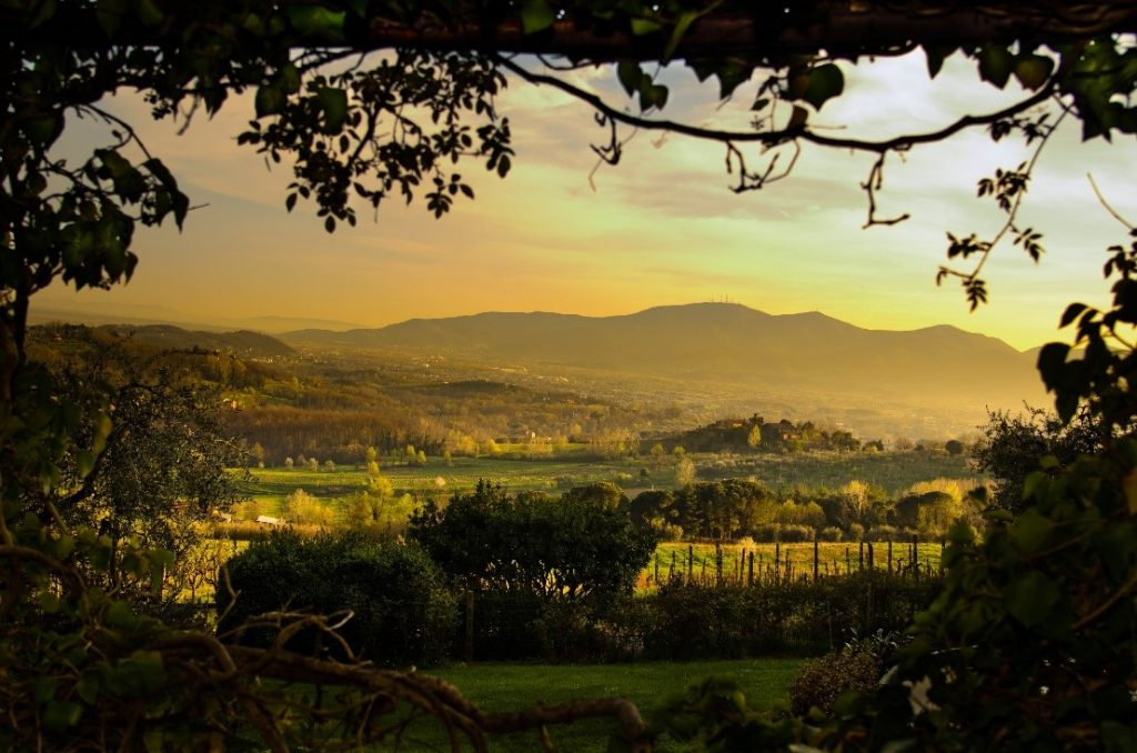 Hilly landscapes near our luxury villas in Tuscany