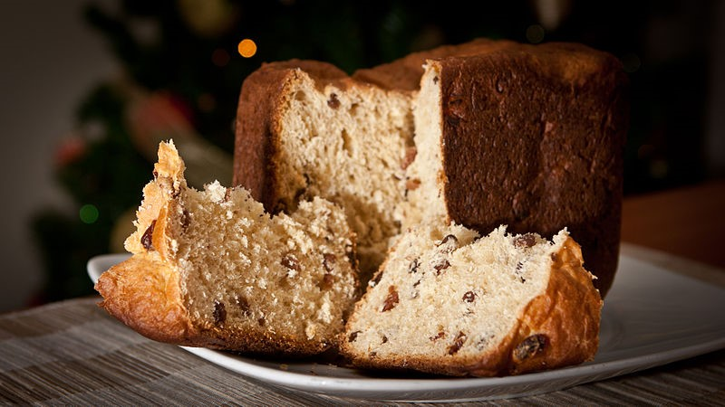 Homemade panettone Christmas bread to enjoy on your Sicily holidays