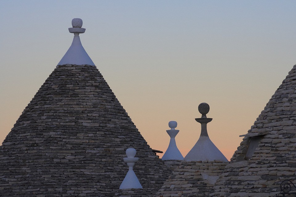 Puglia Dome Shaped Roofs Italy Facts | Essential Italy Holiday Villas Cottages