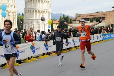 Take part in the upcoming Pisa Marathon near our holiday villas in Tuscany