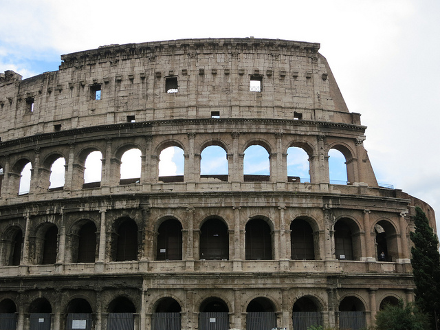 Visit the Colosseum and other historical attractions near our villas Tuscany