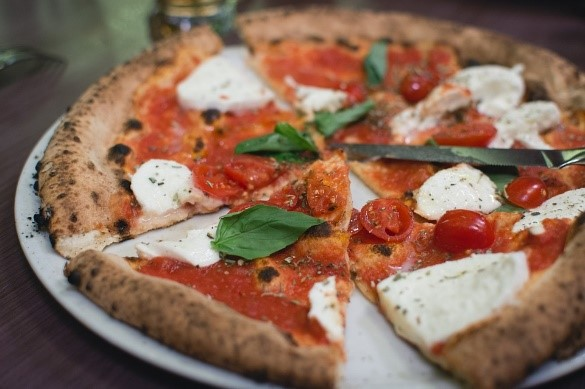 Neapolitan pizza making to be considered for UNESCO's cultural heritage list
