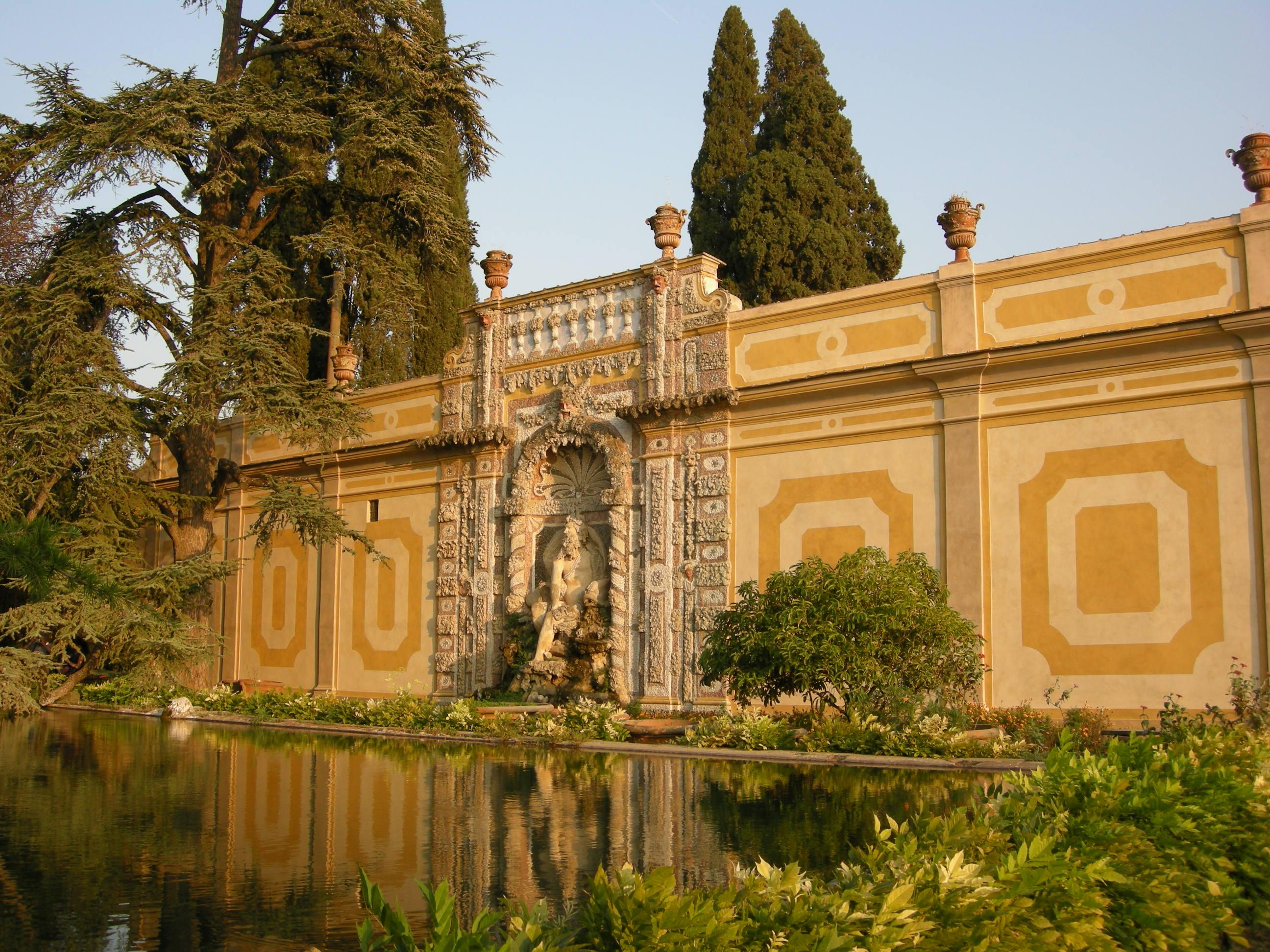 Villa_antinori_di_cigliano,_giardino,_vasca_e_fontana_02