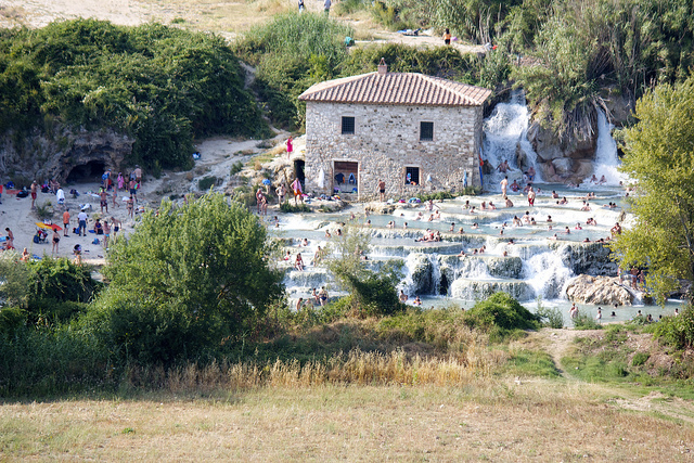 The thermal springs of Saturnia – a relaxing place to visit on your Tuscany holidays