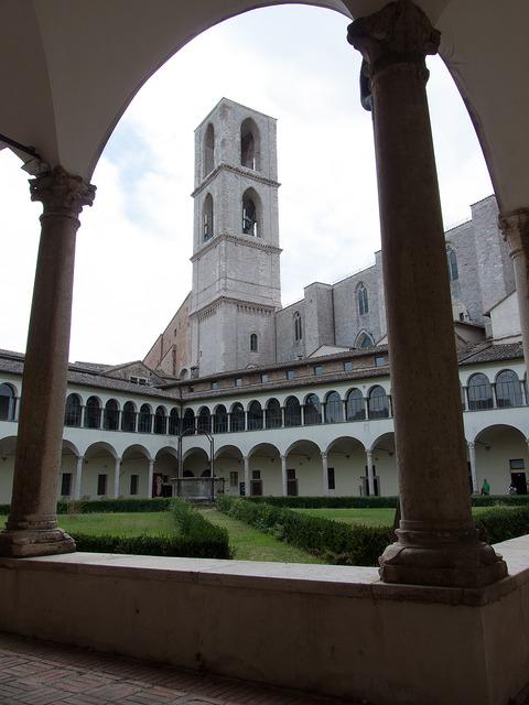 San Domenico, Perugia, churches and cathedrals near our villas Umbria