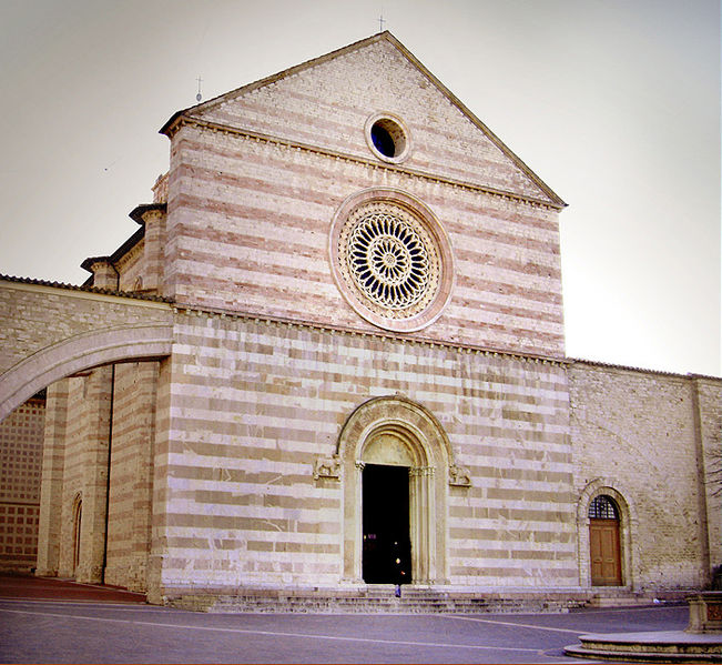 Basilica di Santa Chiara, Assisi, churches and cathedrals near our villas Umbria
