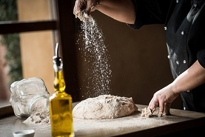 Flour bread and olive oil on your holidays in Tuscany