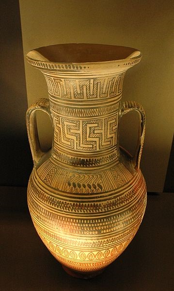 Discover ancient relics such as amphoras near our hotels in Sicily