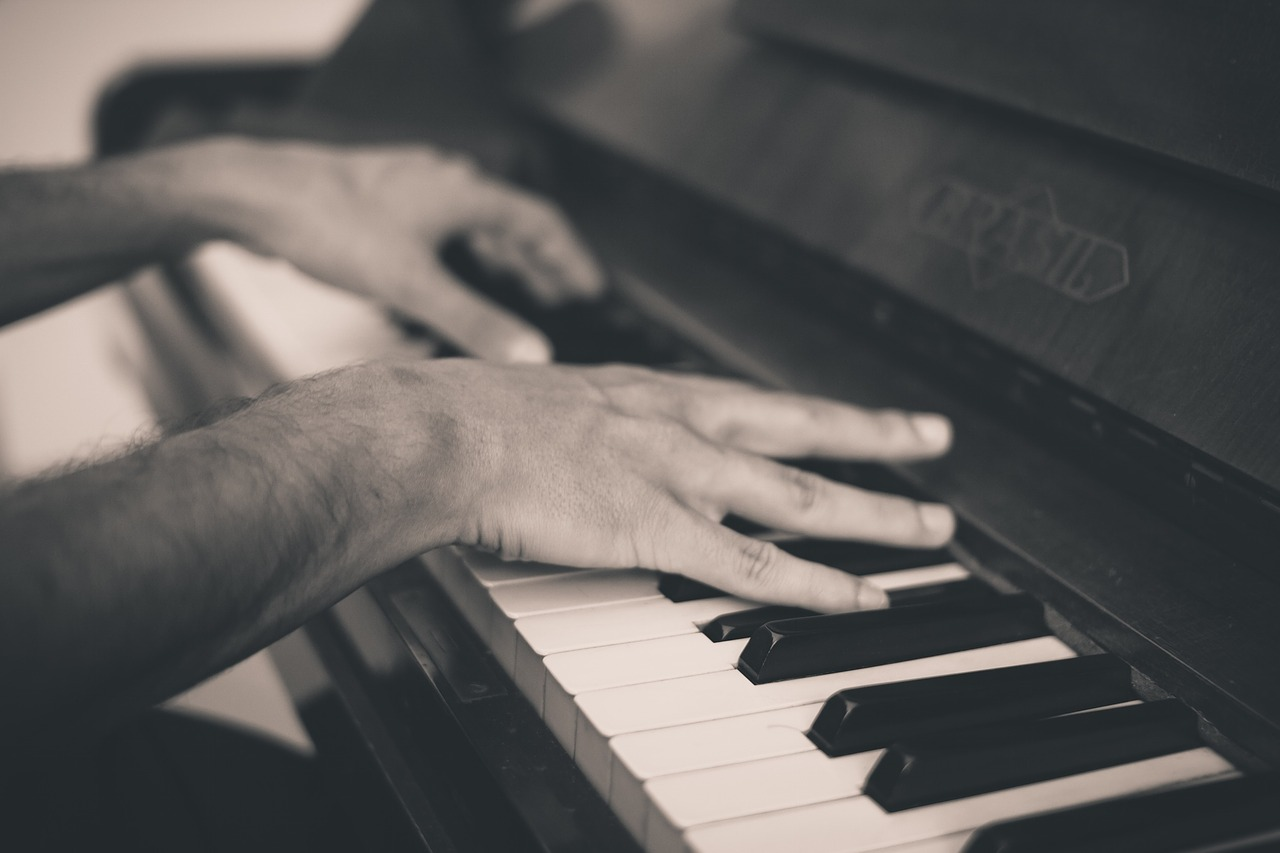 italian holidays, piano, composer, Arctic, Greenpeace, Ludovico Einaudi,