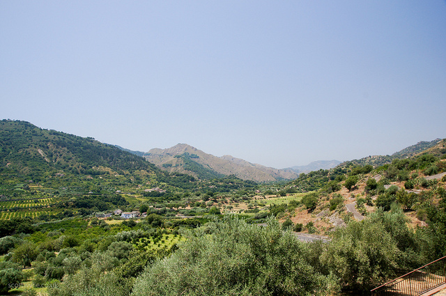 enjoying walks and hikes when on your Sicily holidays