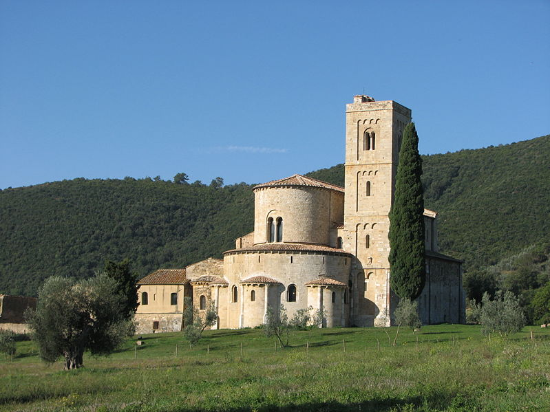 Historical abbey, Abbazia di Sant'Antimo, to visit while you stay in villas in Tuscany
