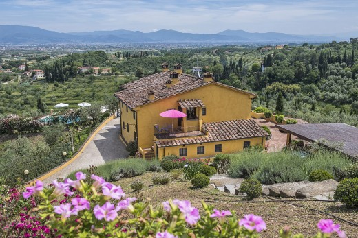 villas in Italy include the stunning Tuscany Villa Guidi set in the countryside.