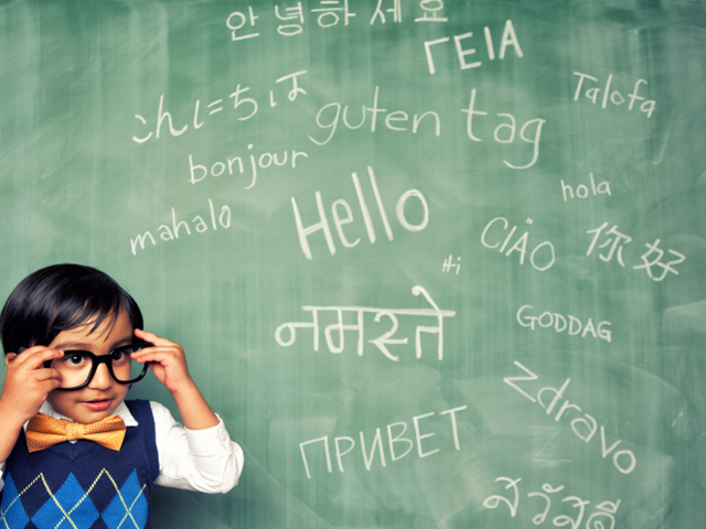 child learning different languages including Italian