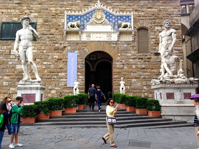 Piazza della signoria in Florence you can visit on your Italian holidays