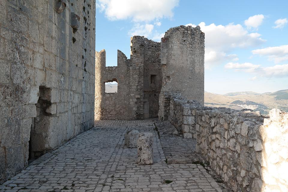 Rocca Calascio in Abruzzo