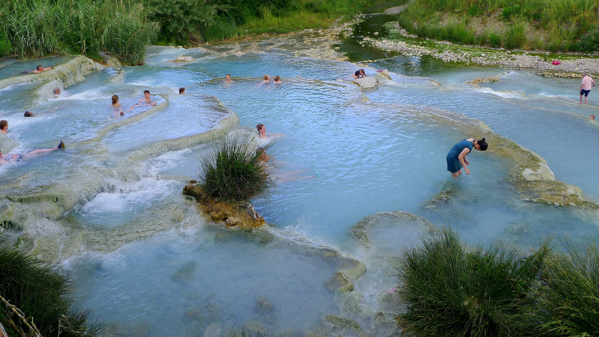 saturnia, a thermal spa near our italian villas