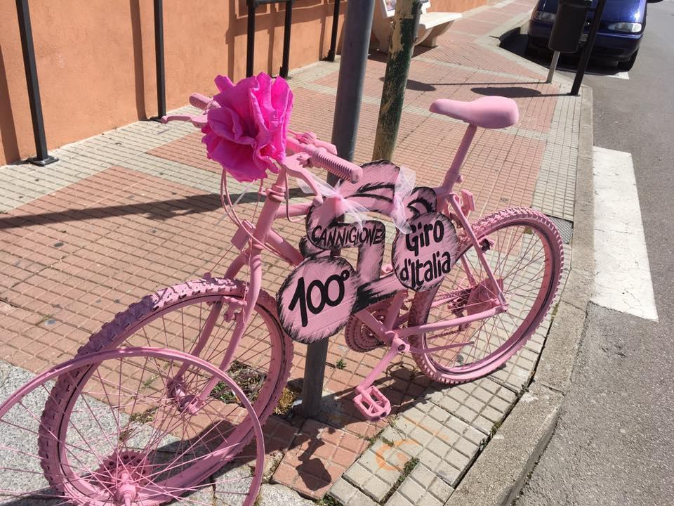 A bike decorated for the Giro d'Italia in Cannigione