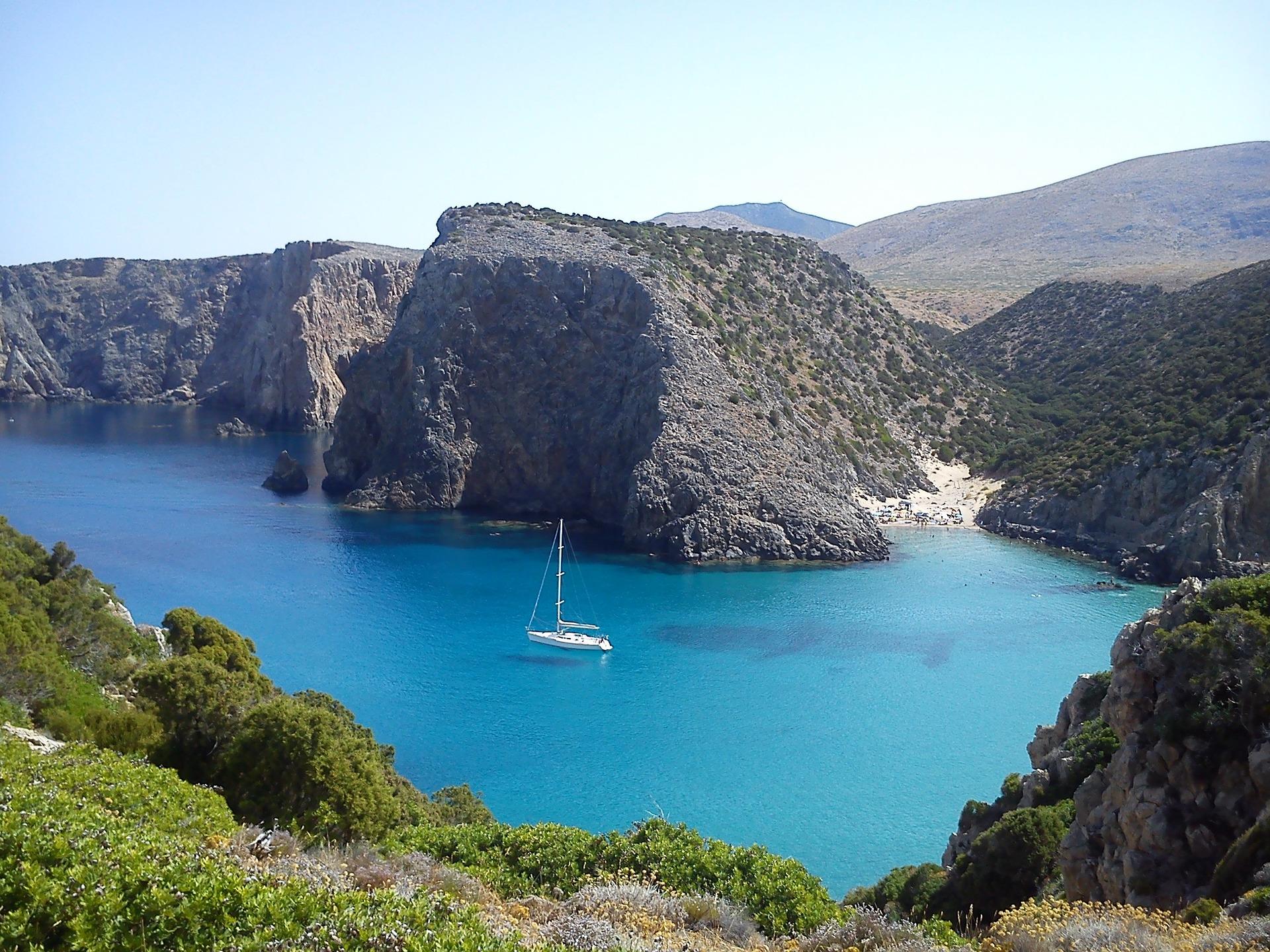 Clear blue sea and cliffs