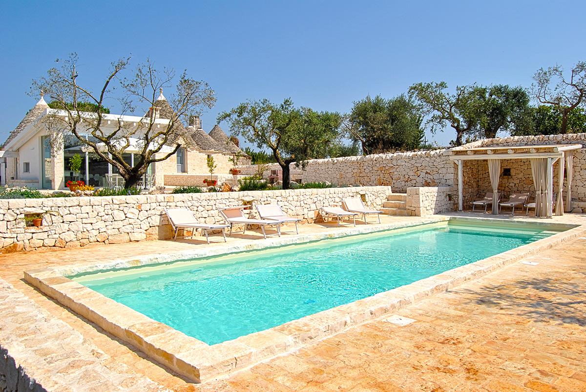 Trullo terra villa in Puglia with pool.