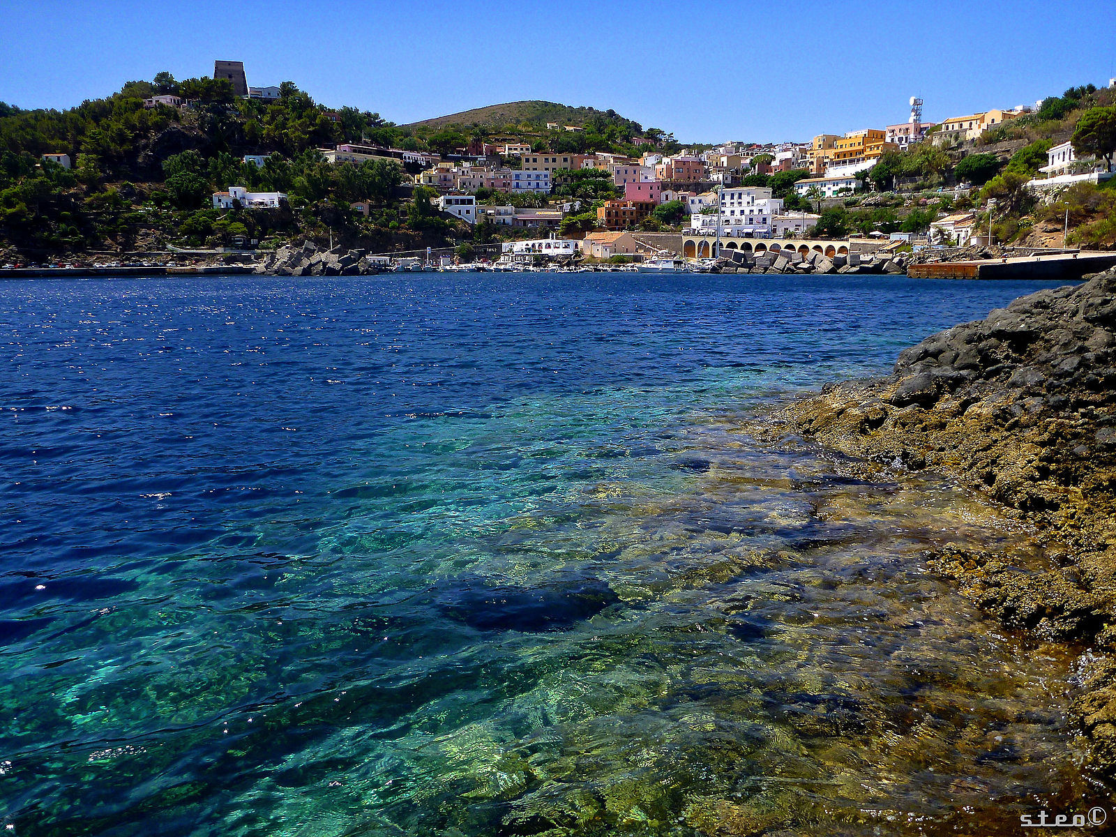 Ustica_village_from_the_sea