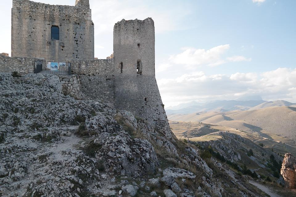 Ruins of the Rocca Calascio fort in Abruzzo, Italy